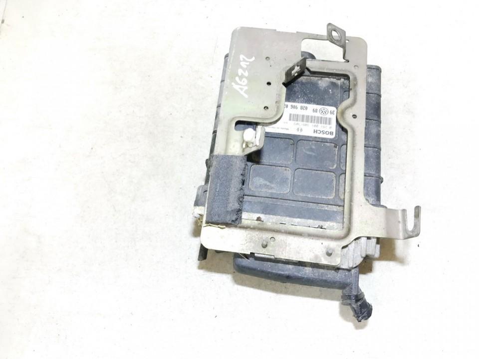 Variklio kompiuteris Volkswagen Vento 1995    1.9 0281001308