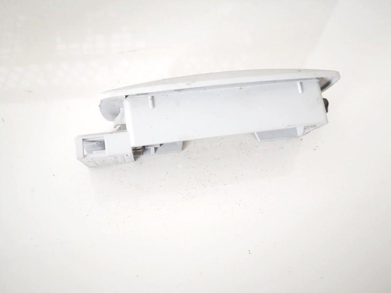 Salono lemputė Volkswagen Passat 1997    1.6 3b9947113