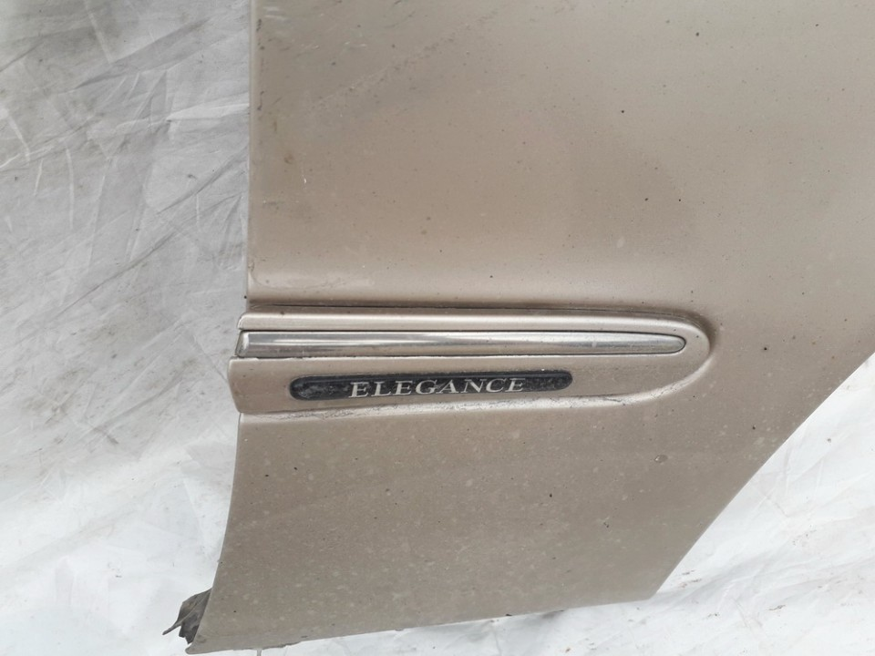 Right front Fender (Arch)  Molding Mercedes-Benz C-CLASS 2000    2.2 USED