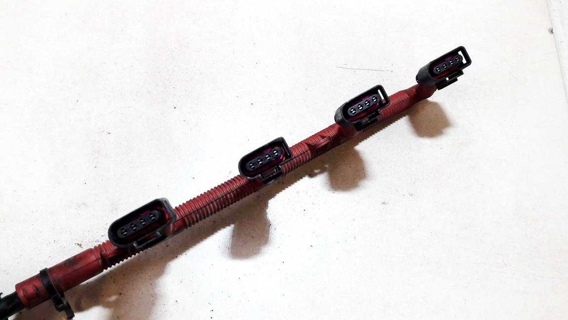 Zvaklaidziai (aukstos itampos laidas) Audi A4 2001    2.0 4b0973724