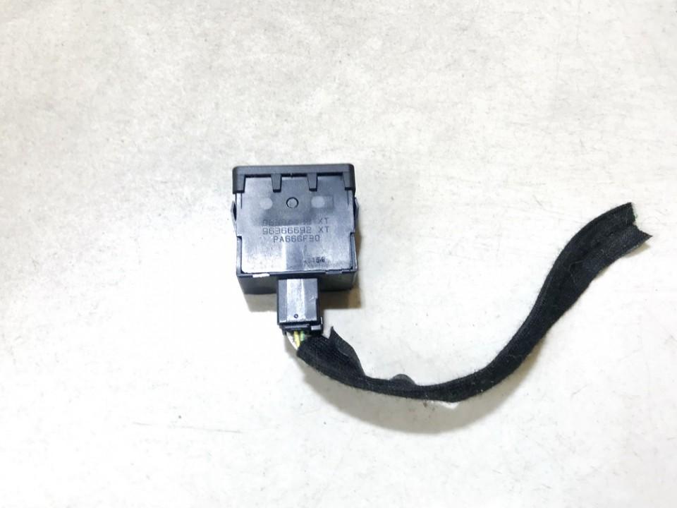 Zibintu aukscio reguliatoriaus mygtukas Peugeot 807 2005    2.2 96384422