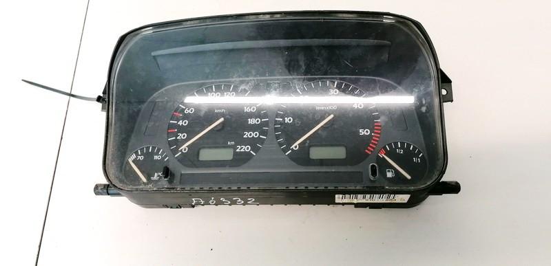 Spidometras - prietaisu skydelis Volkswagen Vento 1997    1.9 1H0919864Q