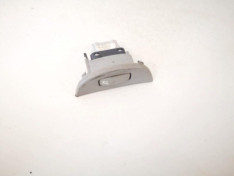 Sedyniu sildymo mygtukas Renault Laguna 2002    1.9 8200064078