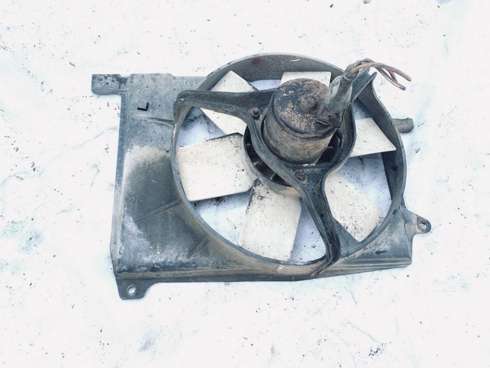 Difuzorius (radiatoriaus ventiliatorius) Volkswagen Golf 1989    1.3 191972525