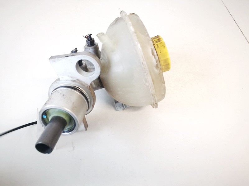 Pagrindinis stabdziu cilindras Volkswagen Passat 1997    1.6 8d0611301