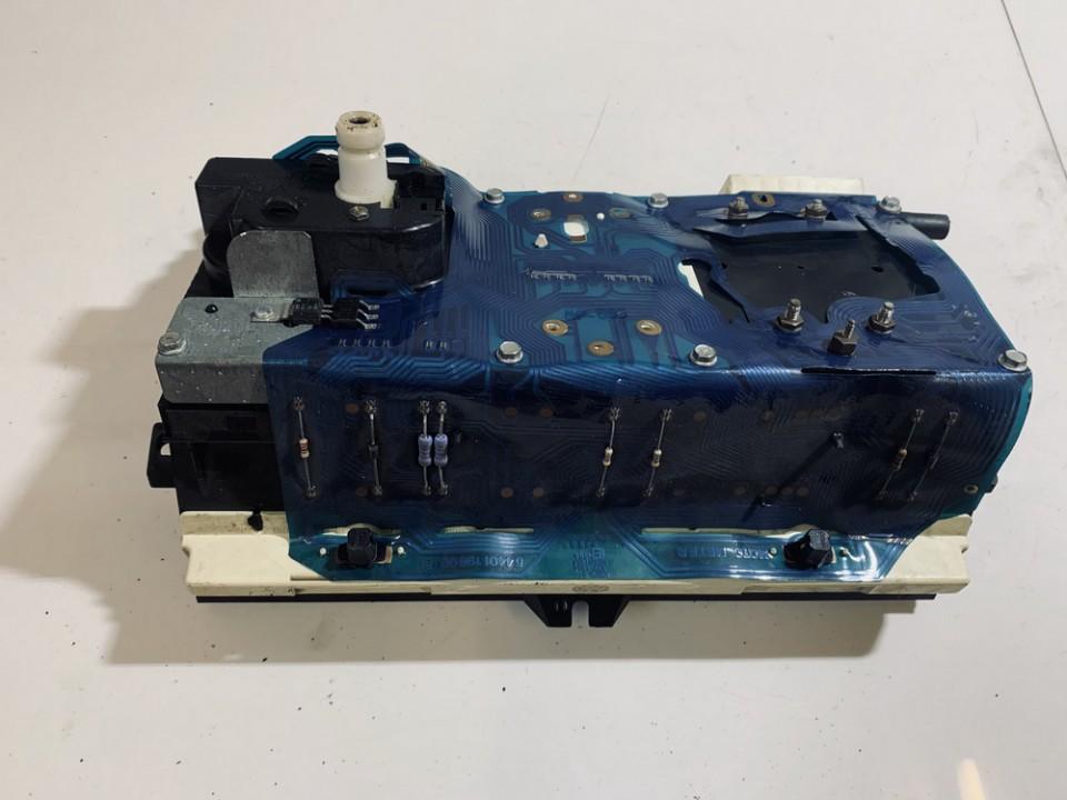 Spidometras - prietaisu skydelis Volkswagen Golf 1989    1.3 191919033q