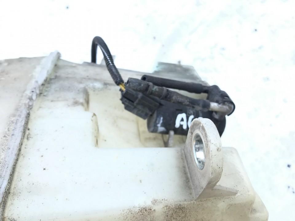 Windshield Windscreen Washer Pump Volvo XC 90 2007    3.2 used