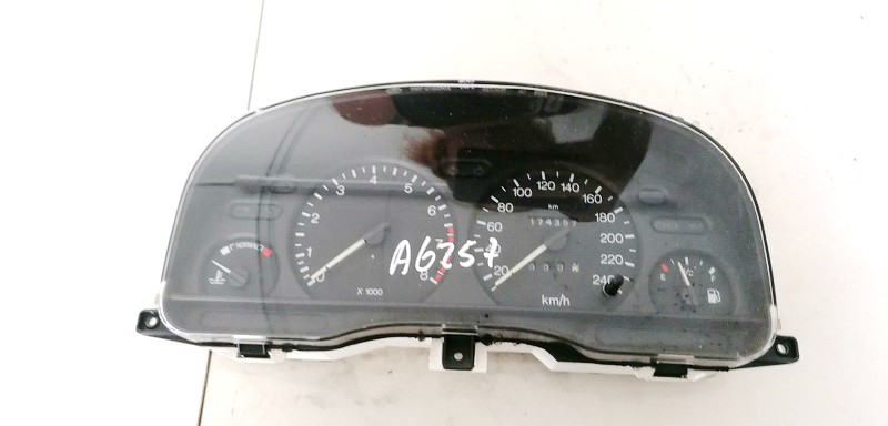 Spidometras - prietaisu skydelis Ford Mondeo 1996    2.0 95BB10849RB
