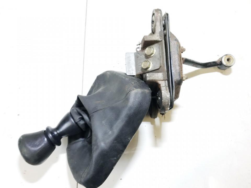 Begiu perjungimo kulisa mechanine Mitsubishi Carisma 1997    1.9 used