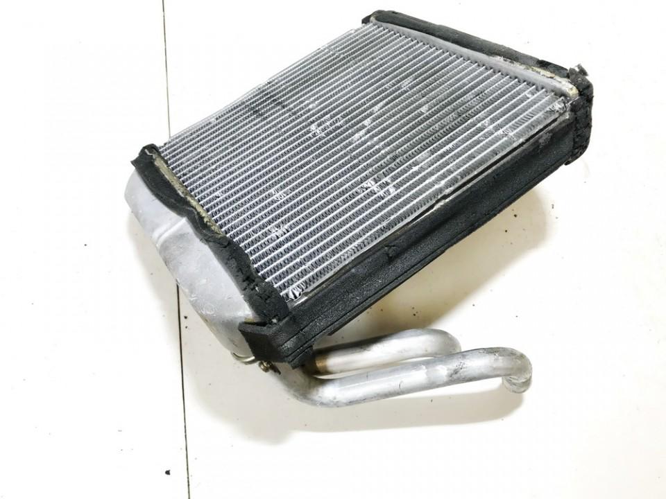 Salono peciuko radiatorius Mitsubishi Carisma 1997    1.9 used