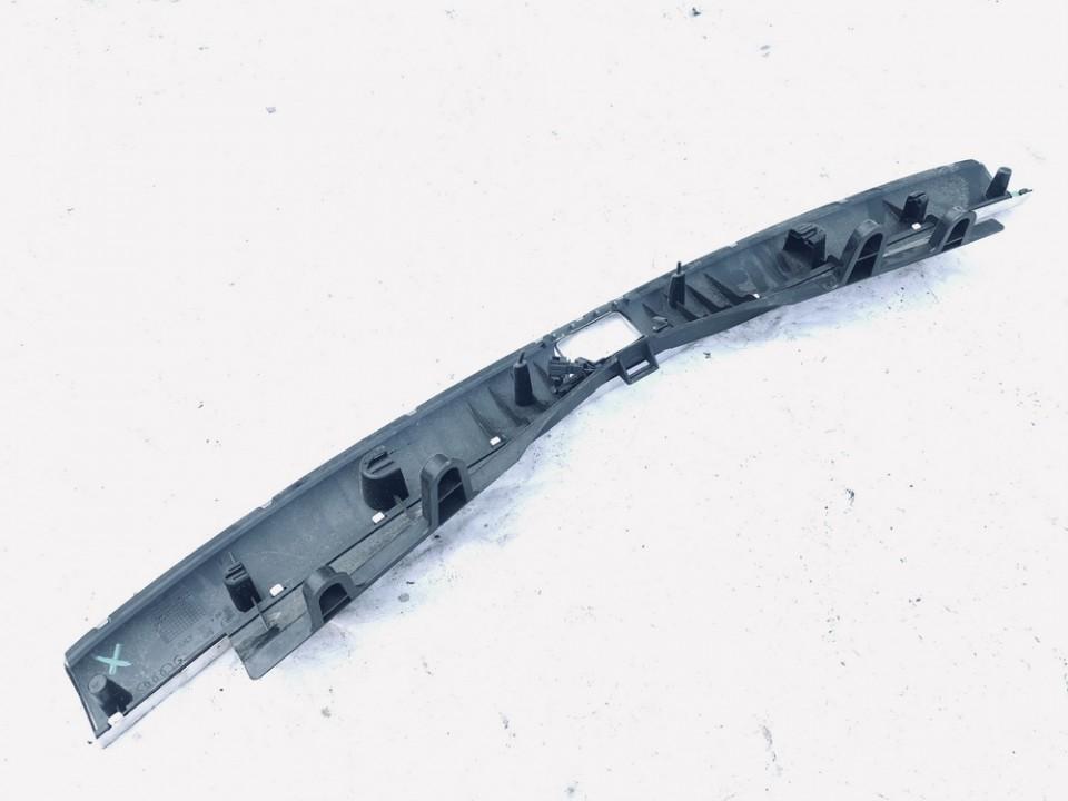 Bagazines vidine apdaila prie spynos Audi Q7 2007    3.0 4l0864483