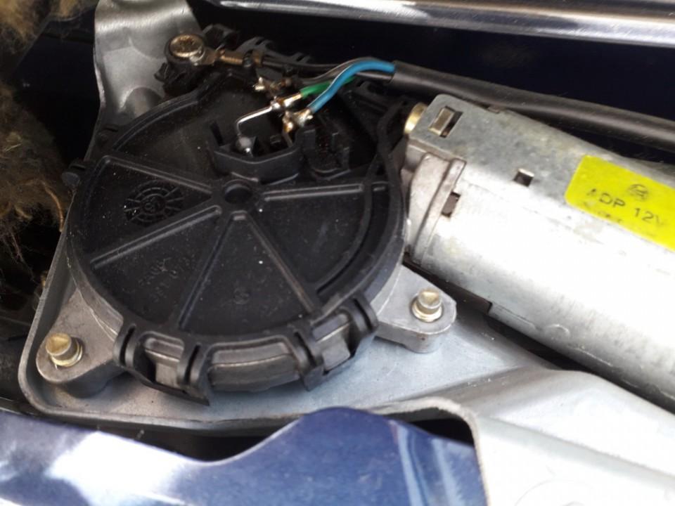 Galinio lango valytuvu varikliukas Renault Megane 1999    1.4 0390206423