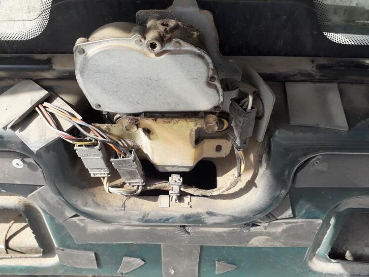Galinio lango valytuvu varikliukas Renault Espace 1993    2.0 USED