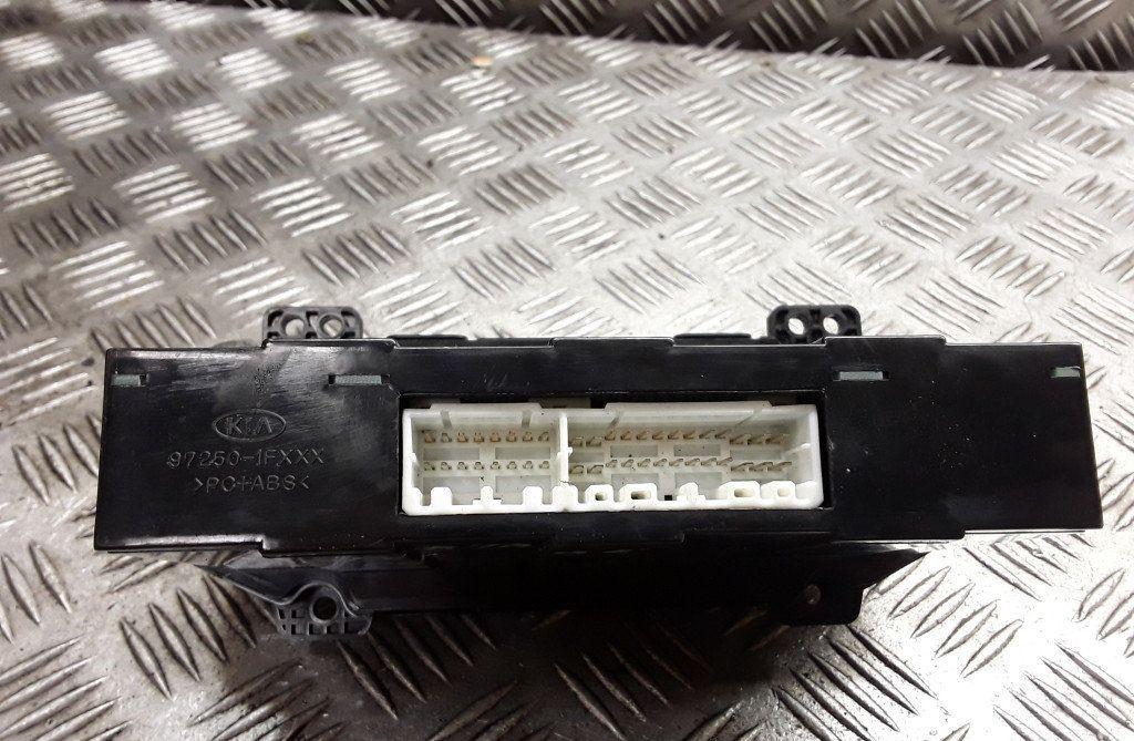 972501FXXX 972501FXXX Climate Control Panel (heater control switches) Kia Sportage 2006 2.0L 40EUR EIS01139416