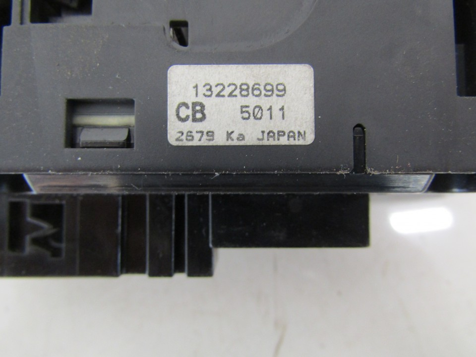 13228699 13228699,CB 5011,2679 KA Power window control (Window Regulator-Window Switch) Opel Zafira 2009 1.9L 20EUR EIS01139481