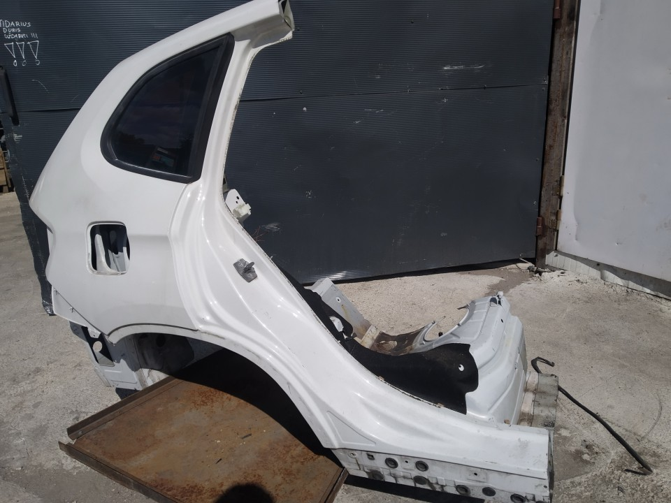 Ketvirtis G.D. BMW X1 2011    0.0 balta