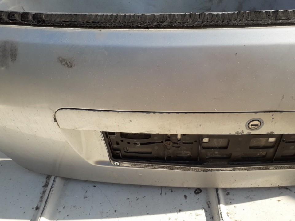 Galinio dangcio isorine apdaila (numerio apsvietimas) Audi A4 1999    2.5 USED