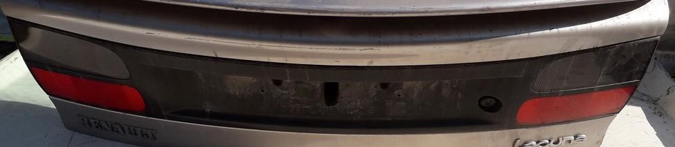 Galinio dangcio isorine apdaila (numerio apsvietimas) Renault Laguna 1994    2.0 USED