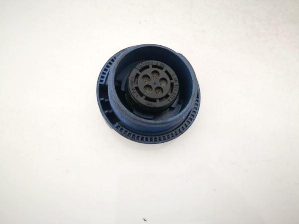 Dangtelis vandens radiatoriaus (dangtelis issipletimo bakelio) Volkswagen Passat 1997    1.8 1j0121321a