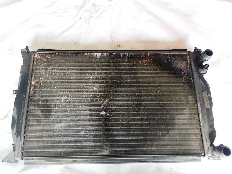Vandens radiatorius (ausinimo radiatorius) Volkswagen Passat 1997    1.8 8d0121251ac