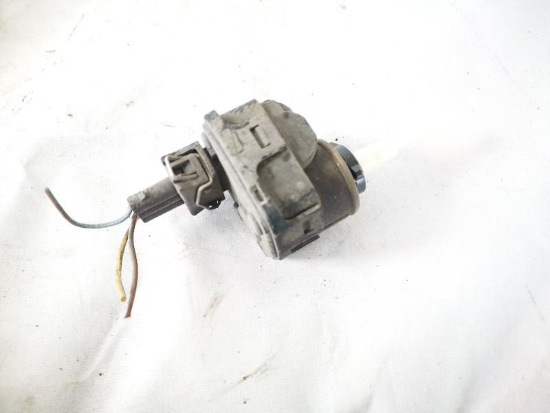 Headlighth Levell Range Adjustment Motor Volkswagen Passat 1997    1.8 3a0941295