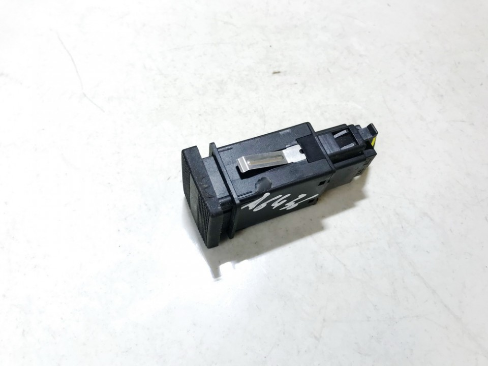 Stiklo sildymo mygtukas Volkswagen Golf 1998    1.9 1h0959621b