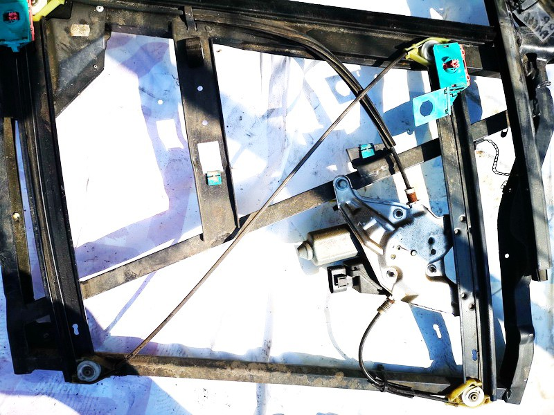 Duru lango pakelejas P.D. Audi A6 1998    2.5 4b0837462