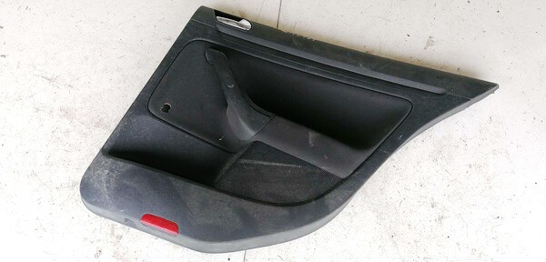 Duru apmusimas (apdaila-absifkes) G.D. Volkswagen Golf 2004    1.9 1K4868074