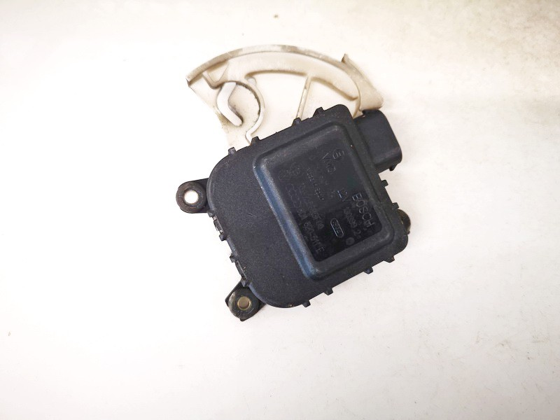 Peciuko sklendes varikliukas Audi A4 1999    1.9 8d1820511e