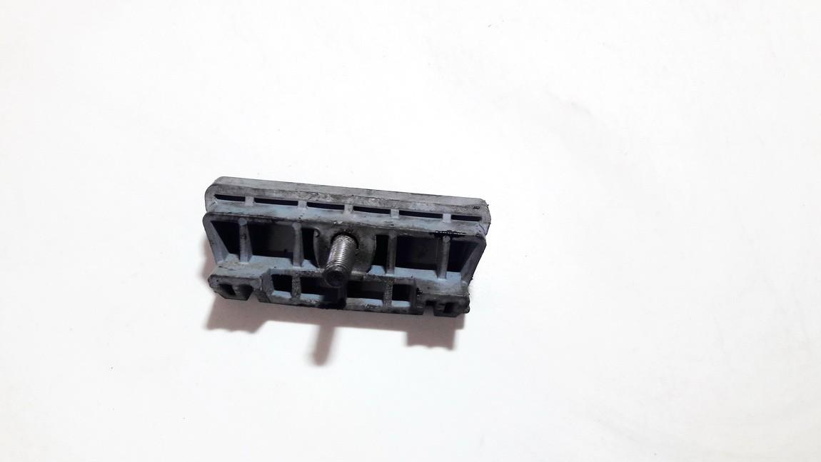 Baterijos - akumuliatoriaus laikiklis Opel Meriva 2004    1.7 09115187