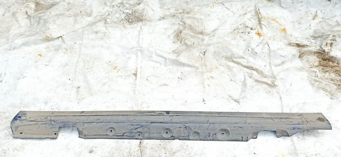Plastmasinis slenkstis kairys BMW 3-Series 2000    2.0 used