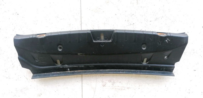 Bagazines vidine apdaila prie spynos BMW 6-Series 2011    0.0 7224793