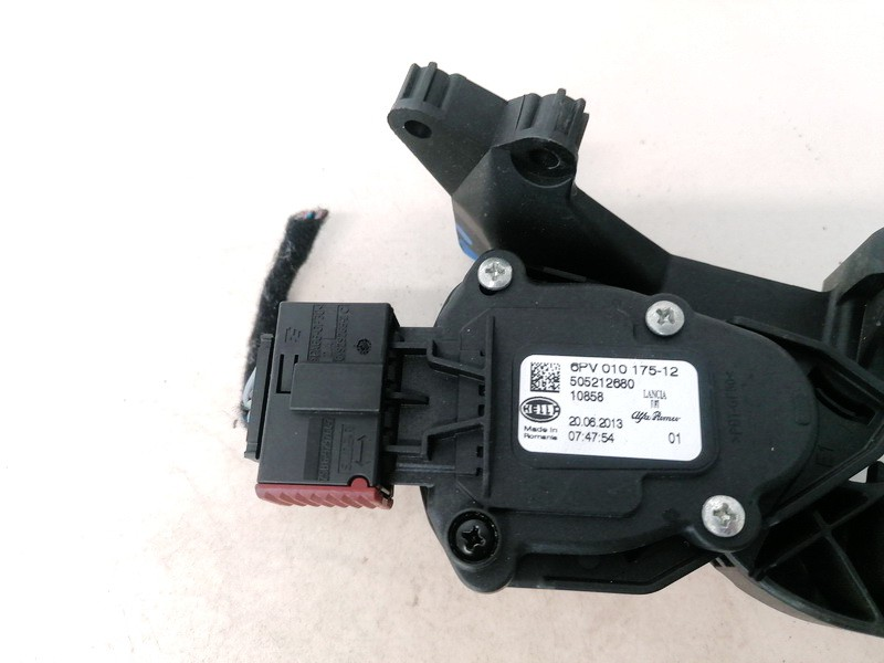 Accelerator throttle pedal (potentiometer) Alfa-Romeo Giulietta 2011    1.6 6PV01017512
