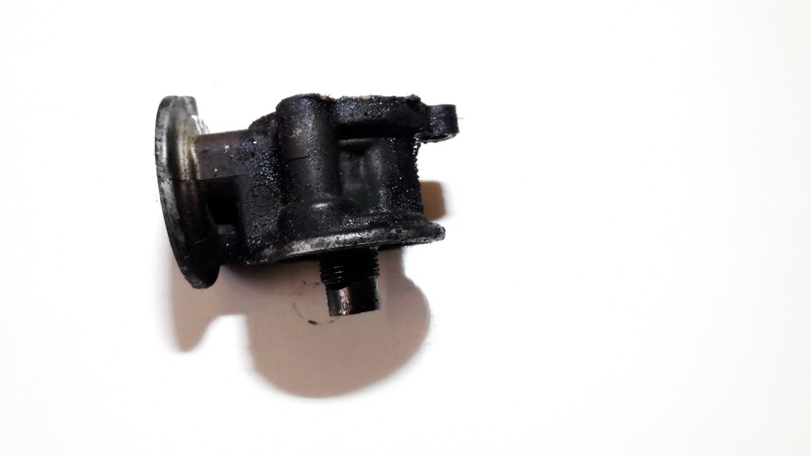 Tepalo filtro laikiklis Nissan Sunny 1994    2.0 used