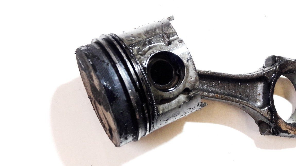 Stumoklis su svaistikliu Mazda 323 1999    2.0 rf8u
