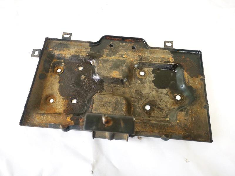 Battery Boxes - Trays Kia Sorento 2006    2.5 used