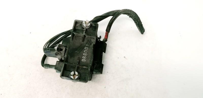 Glow plug relay Volkswagen Golf 1998    1.9 USED