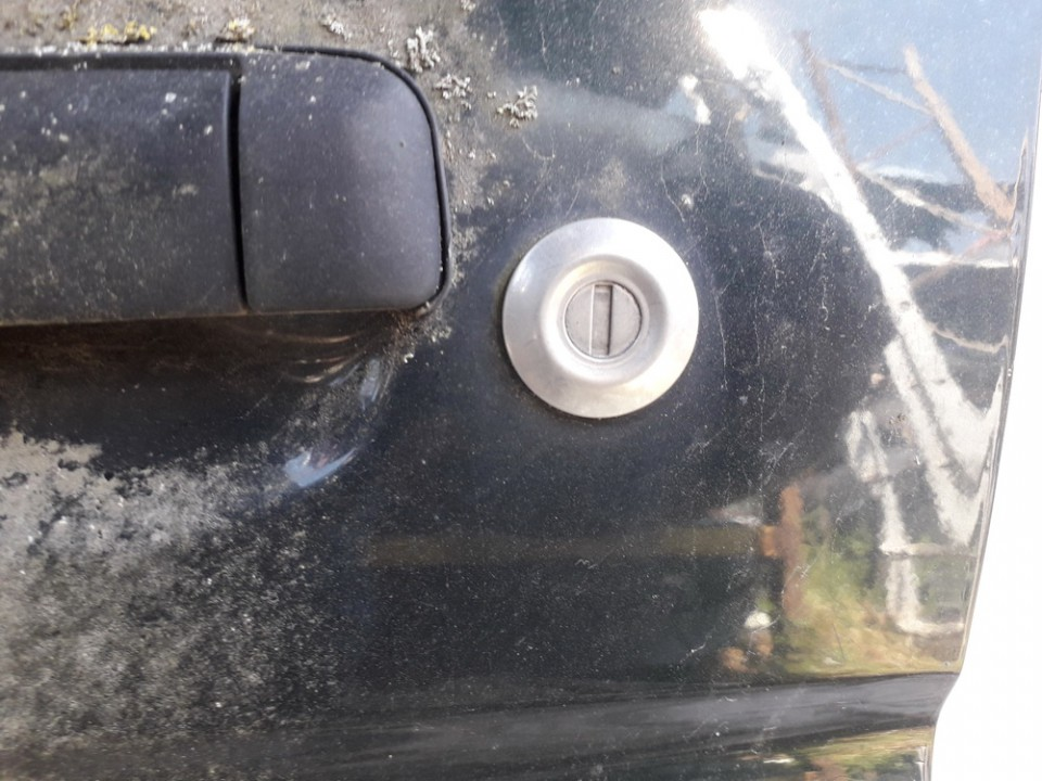 Duru spynele (sirdele) Mazda Demio 1998    1.6 USED