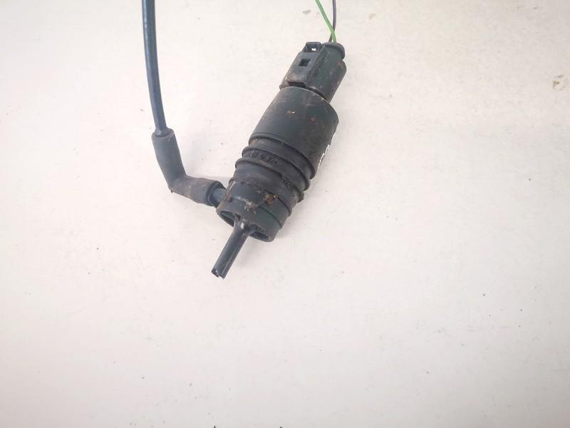 Windshield Windscreen Washer Pump Volkswagen Passat 1997    1.8 used