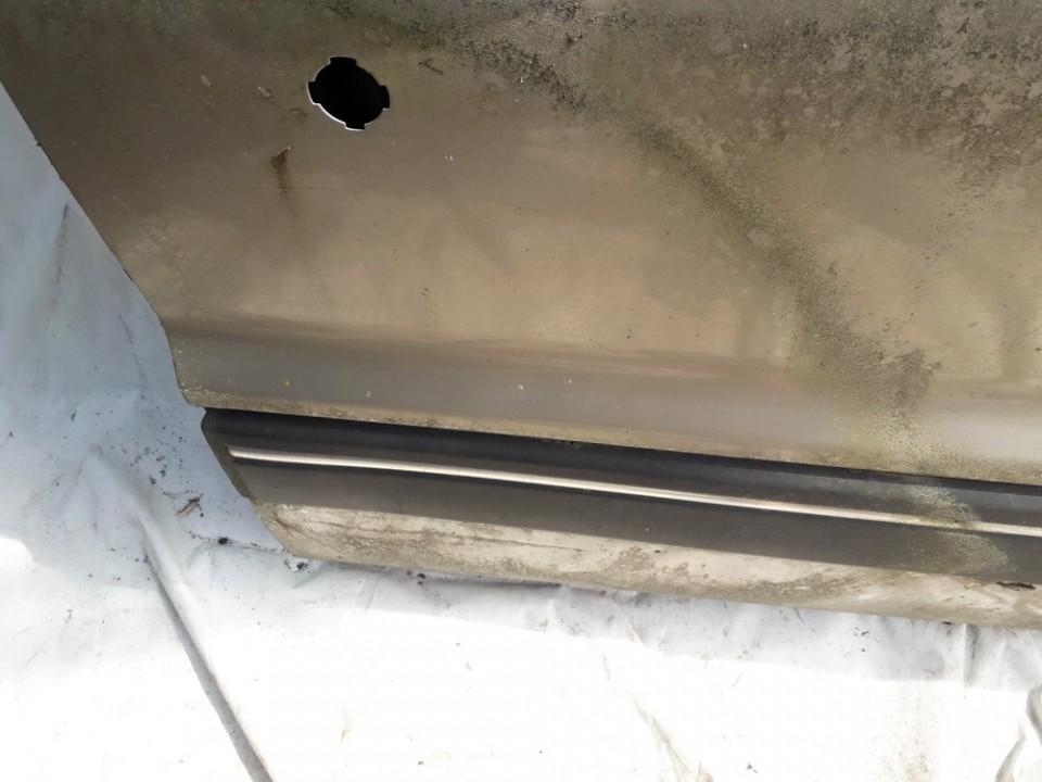 Duru moldingas isorinis P.D. Mitsubishi Galant 1992    1.6 USED