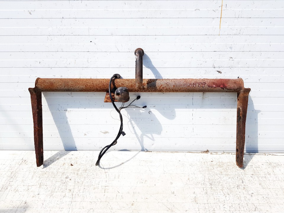 Tow bars Volkswagen Golf 1998    1.9 used