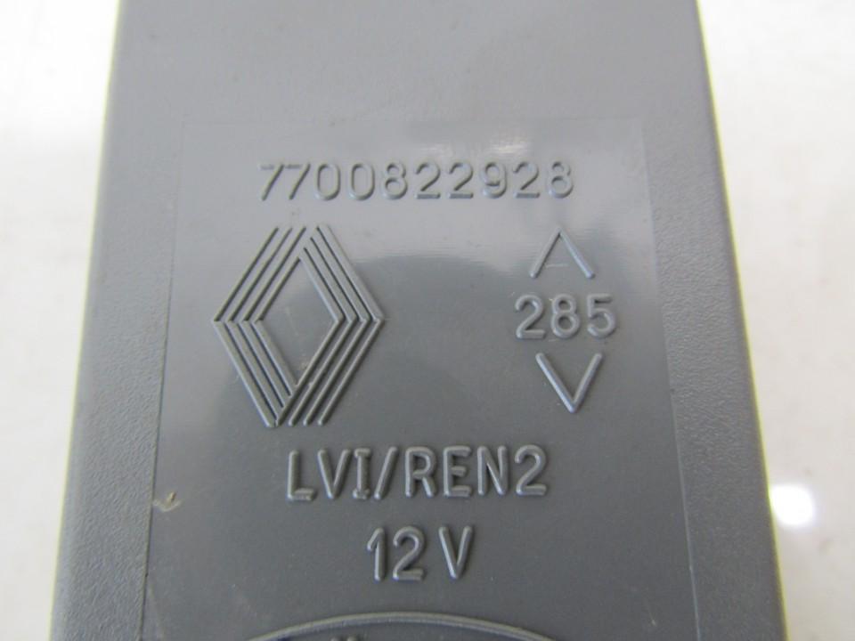 Electric window control unit Renault Laguna 1995    1.8 7700822928