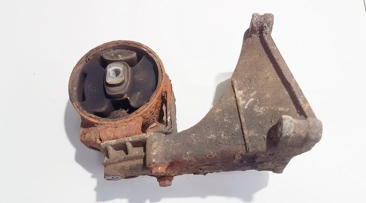 Variklio pagalves bei Greiciu dezes pagalves Volkswagen Passat 1992    1.9 191199262a