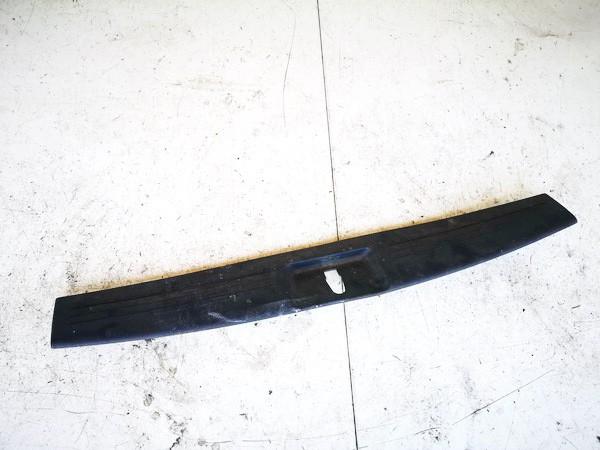 Bagazines vidine apdaila prie spynos Dodge Nitro 2008    0.0 5kg79trmaa