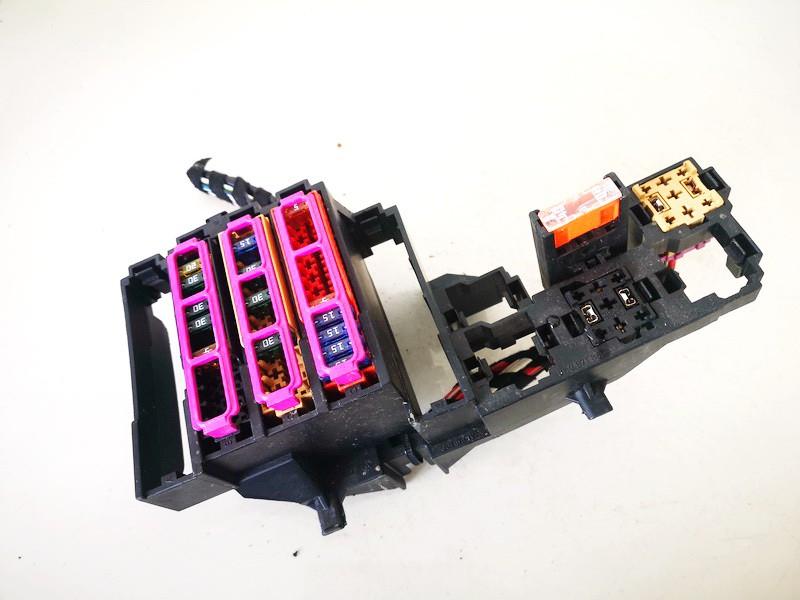 Fuse box  Audi A4 2010    2.0 8k0971845a