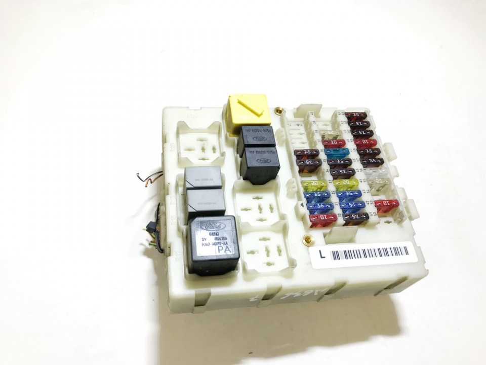 Fuse box  Ford Focus 2002    1.8 used