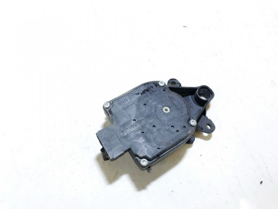 Heater Vent Flap Control Actuator Motor Volkswagen Golf 1998    1.6 1j0907511