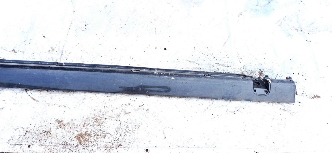 Right Sill Moulding Opel Omega 2000    2.5 used