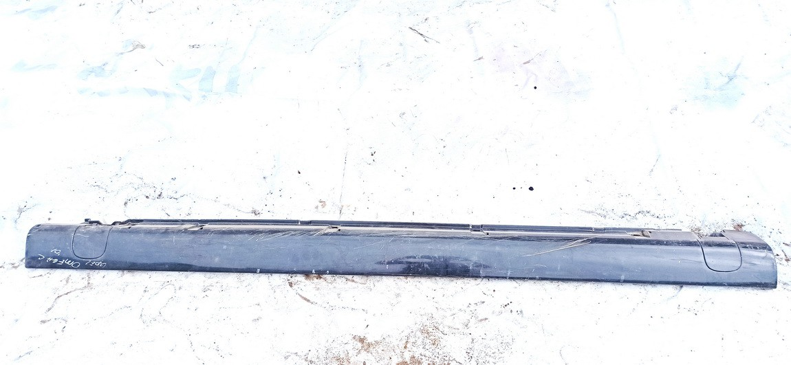 Right Sill Moulding Opel Omega 2001    2.5 used