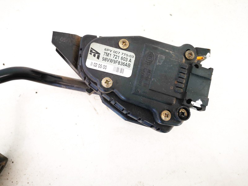 Accelerator throttle pedal (potentiometer) Volkswagen Sharan 2000    1.9 7m1721603a